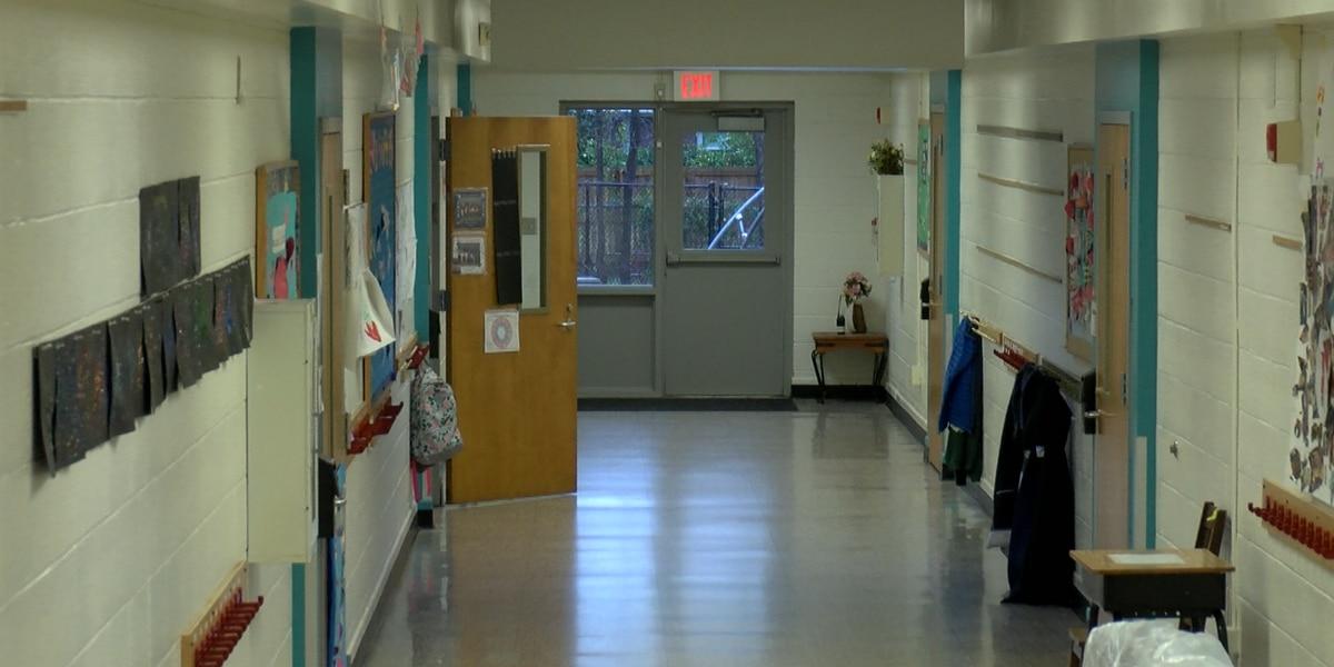 Parents complain of leaks, sewage overflow at North Charleston school
