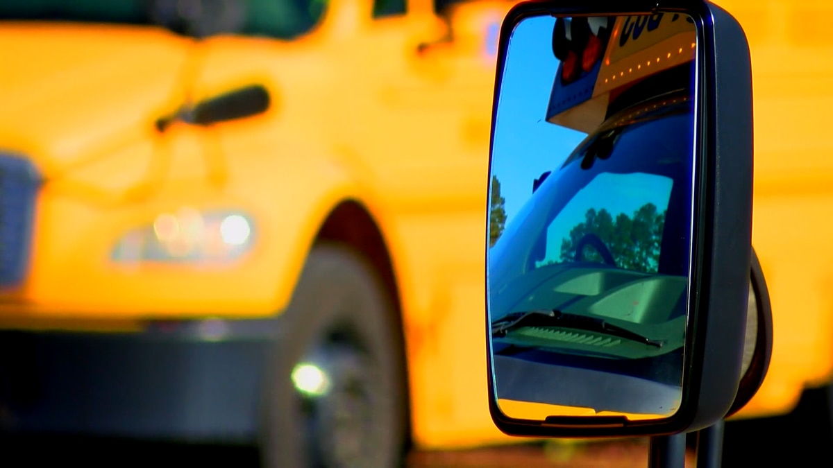 Charleston, Dorchester Co. Schools prepare buses for influx of students