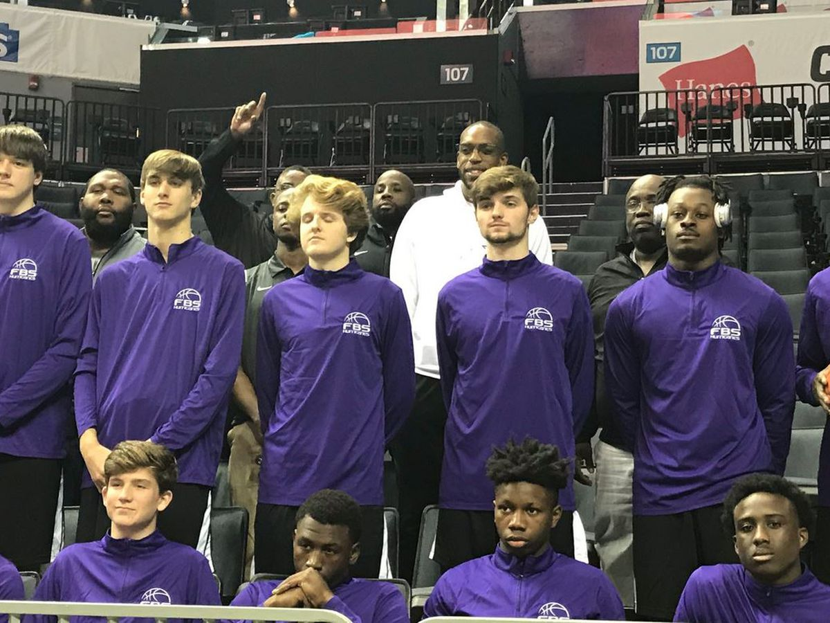 Porter-Gaud, First Baptist boys and girls play on NBA court in Charlotte