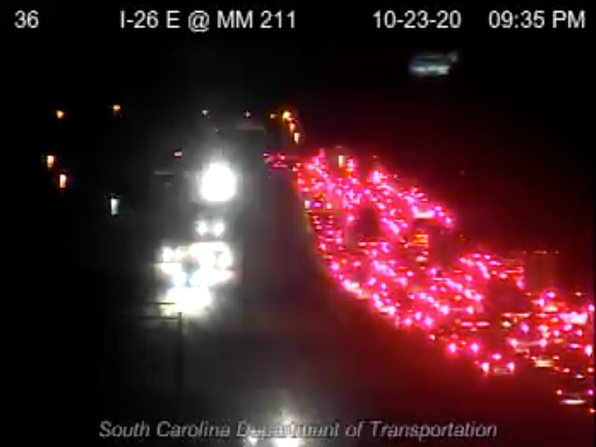 Crews clear I-26 accident in N. Charleston involving 4 vehicles