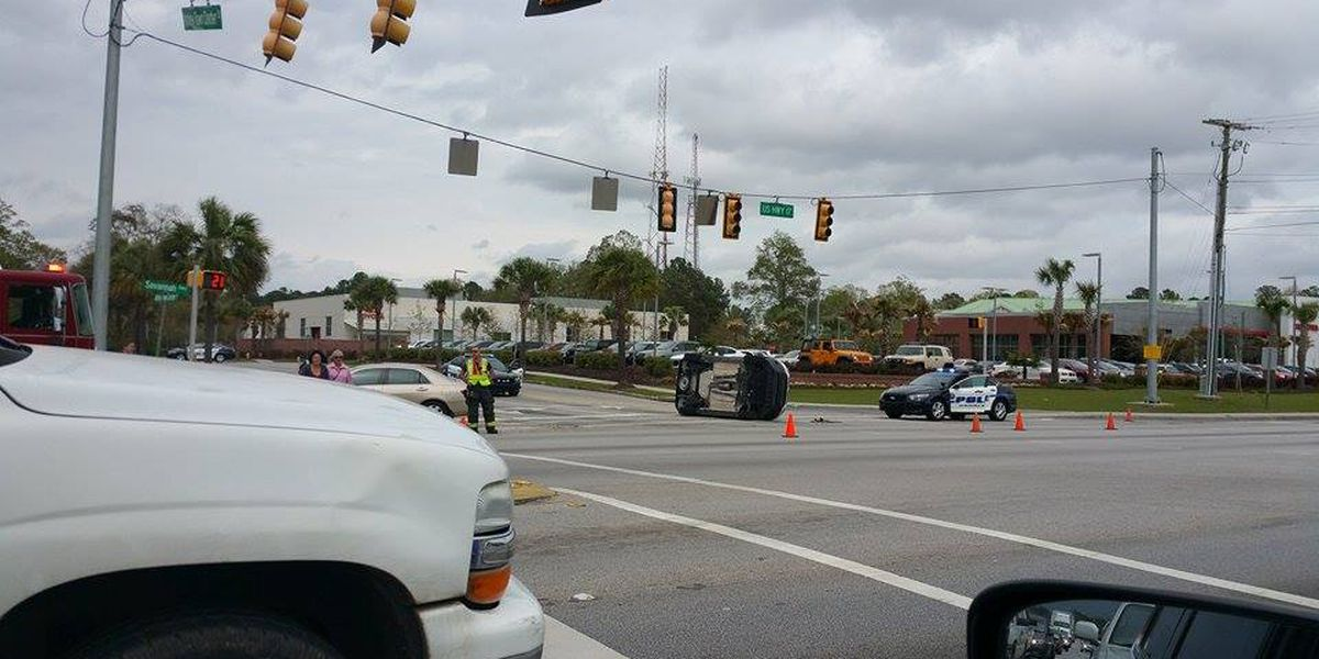 Emergency crews clear accident on Savannah Highway in West Ashley