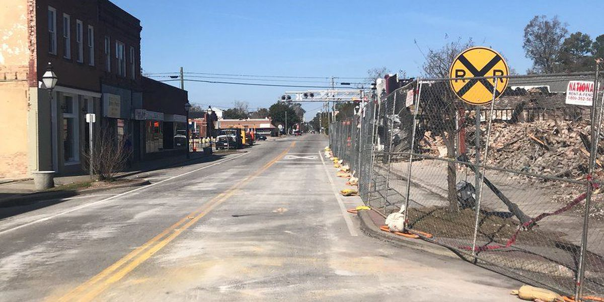 U.S. 176 reopens after demolition of Holly Hill building destroyed by fire