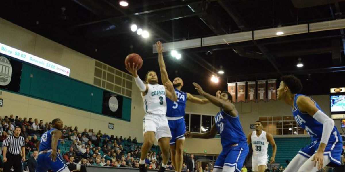 Coastal Carolina falls on last second shot to UT Arlington