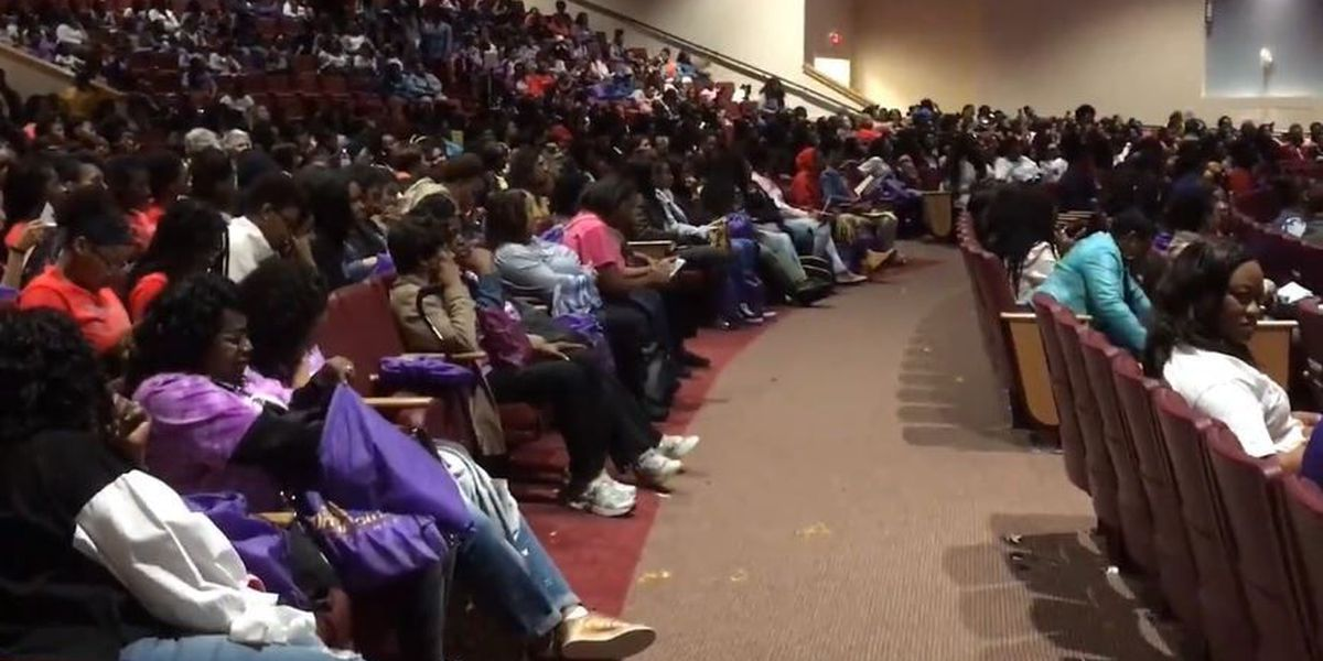 Dream Girls Conference brings 2,000 middle, high school girls to Lowcountry