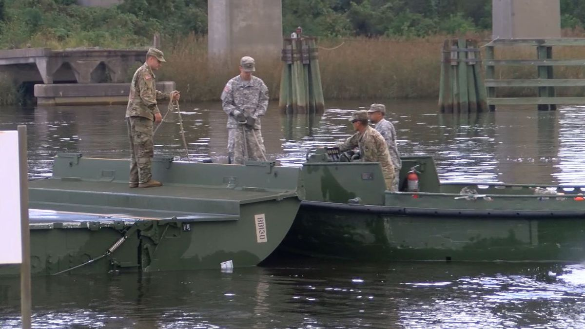 National Guard soldiers help with flood preparation efforts in Georgetown