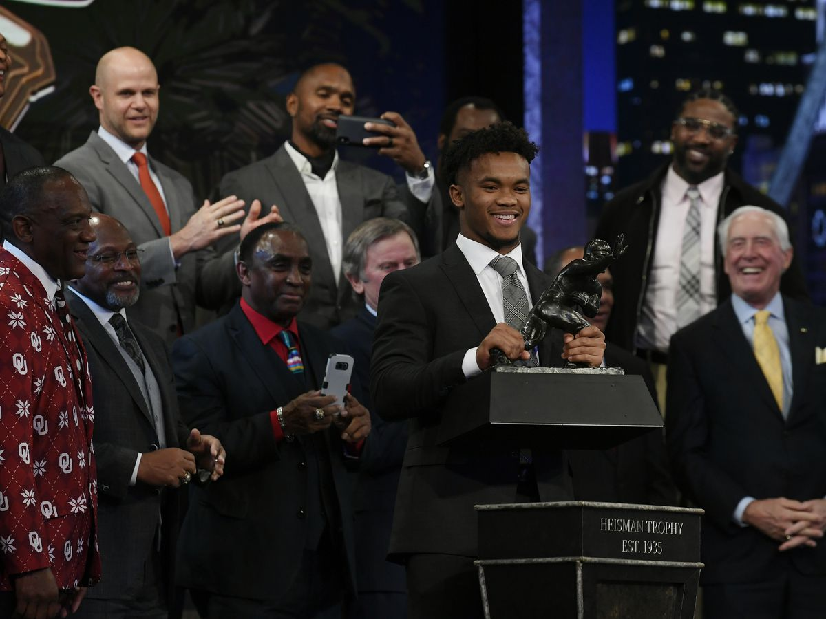 Oklahoma's Murray wins Heisman Trophy