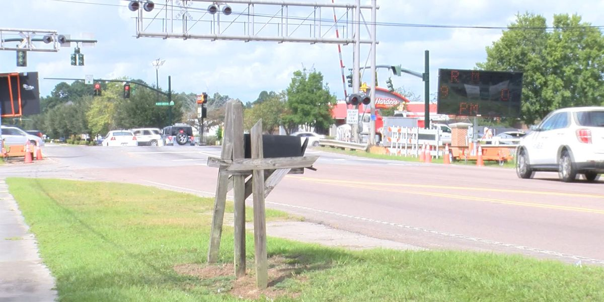 Detours in place for Goose Creek railroad crossing closure Wednesday