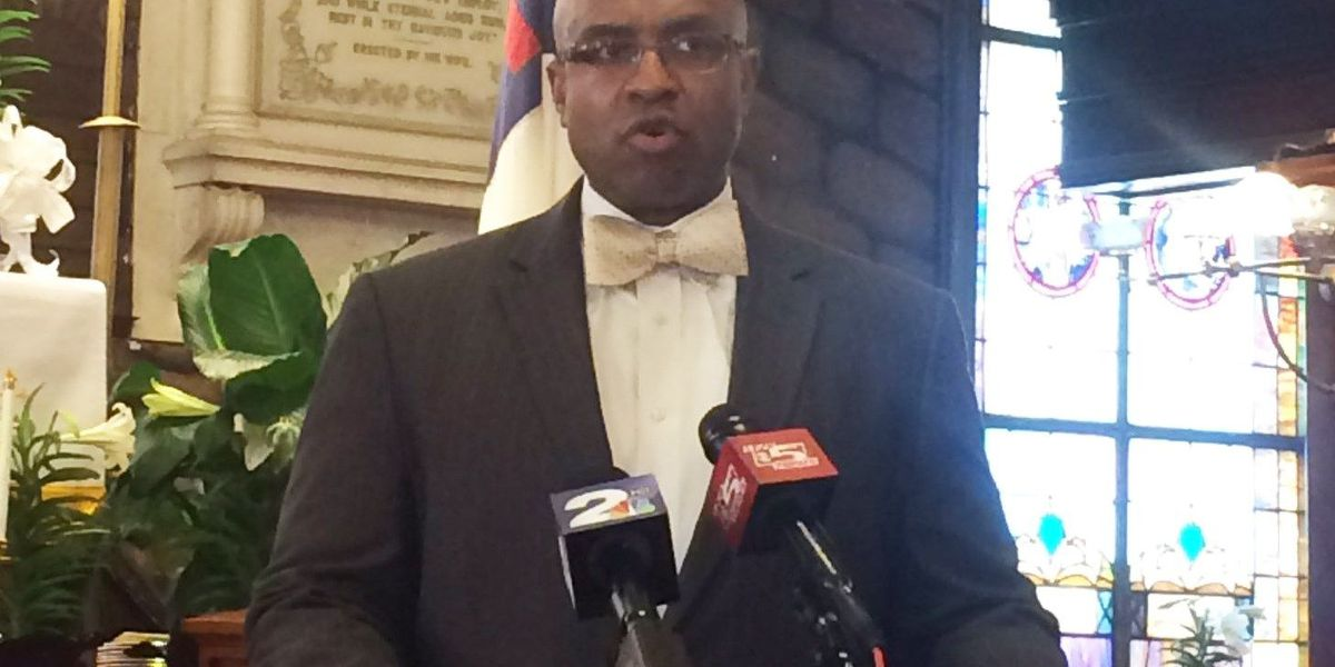 Emanuel AME pastor 'outraged' over Congressional candidate's ad on Confederate flag