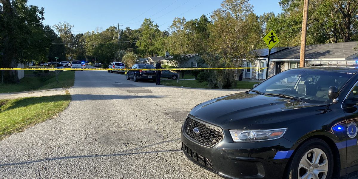 2 underage teens charged in October shootout that injured teen