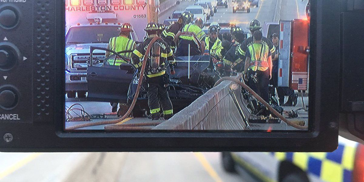Crews respond to 3-vehicle accident on James Island Connector