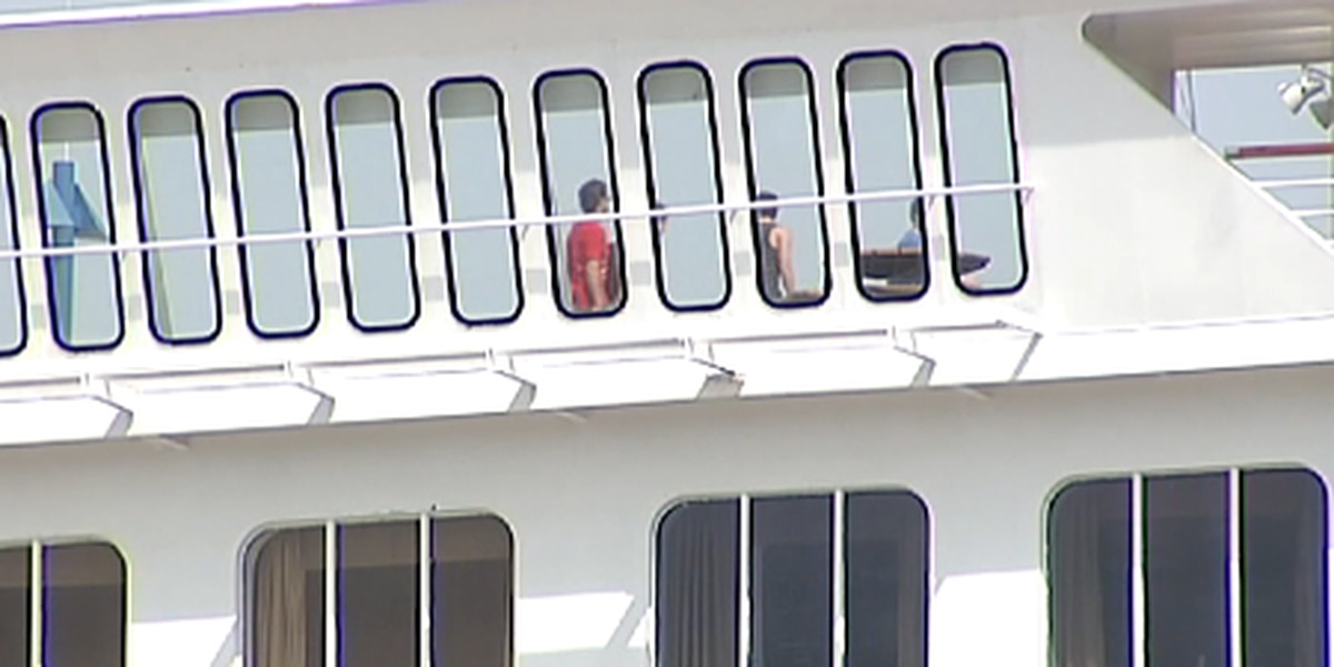 Debate continues over whether to ferry cruise passengers to Mt. Pleasant