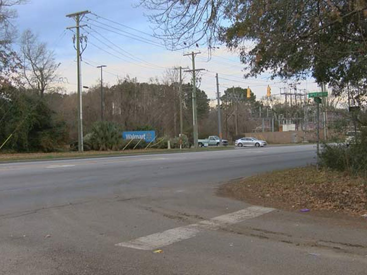 Charleston considering Folly Road pedestrian path, bike lane improvements