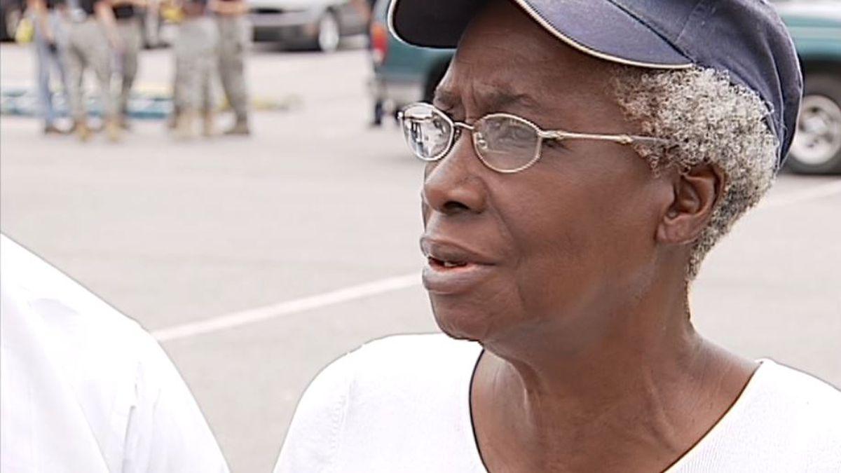 Charleston mayor to dedicate community center to Charleston community activist