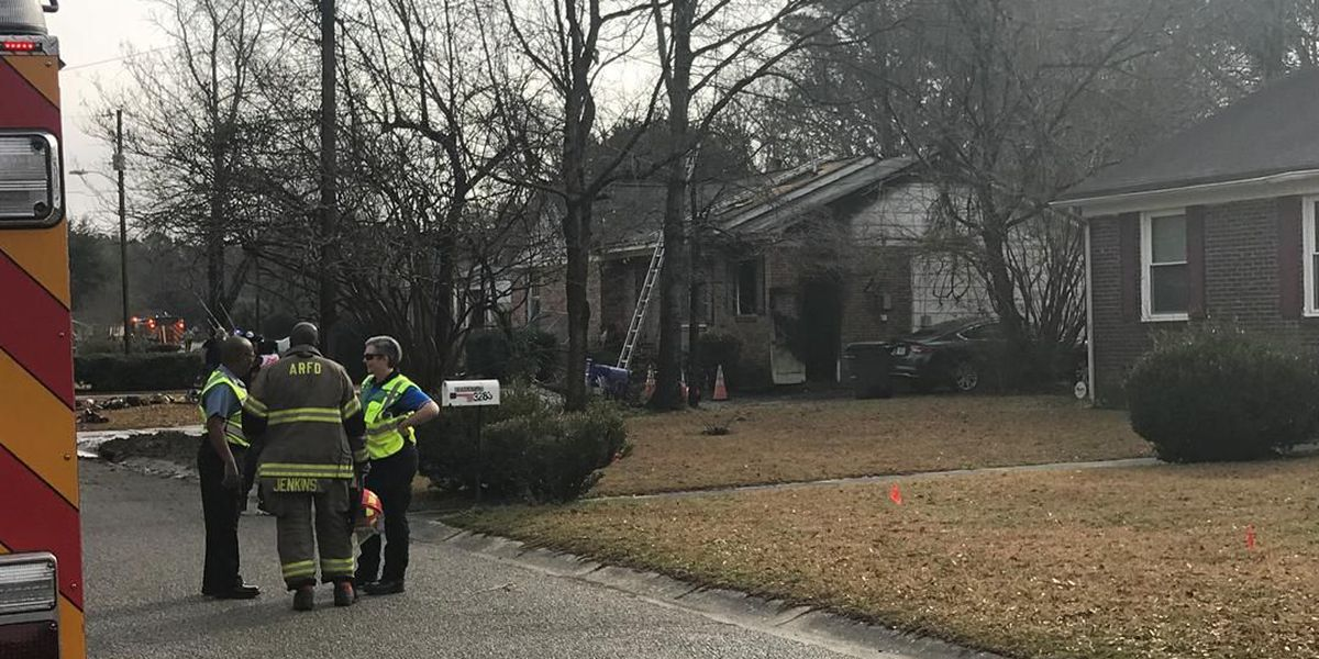 Crews respond to house fire on Dublin Road in North Charleston