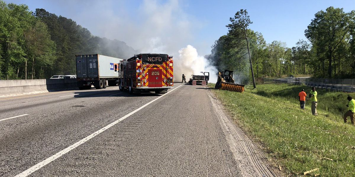 Crews clear vehicle fire on I-26 in North Charleston