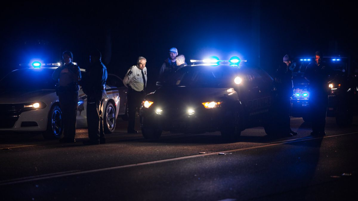 Police officers, deputies respond to incident on James Island