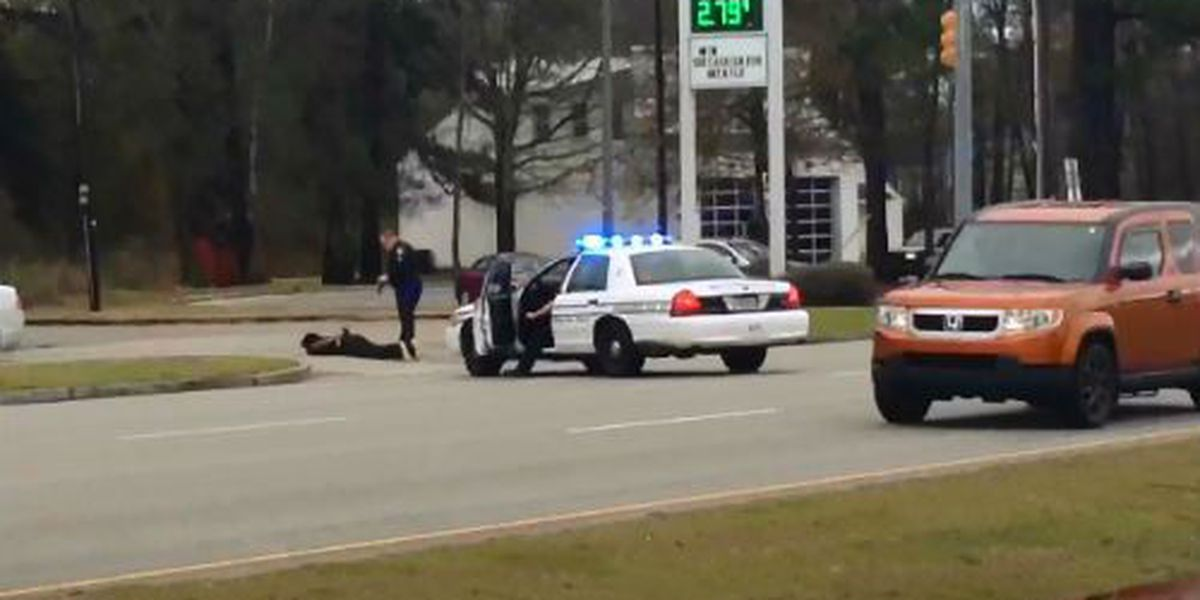 Man arrested after throwing object, threatening Charleston County deputy
