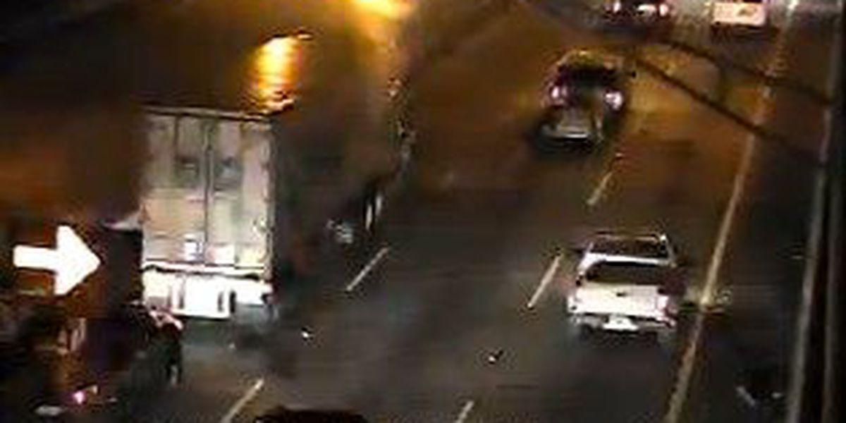 Crews clear disabled truck at I-526 WB near Don Holt Bridge