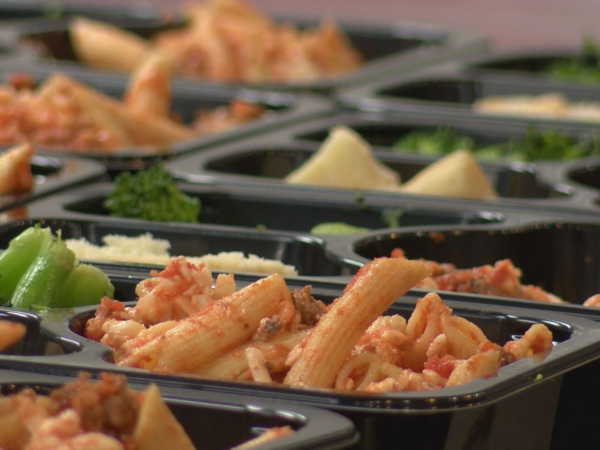 Downtown shelter brings back free, community lunch program