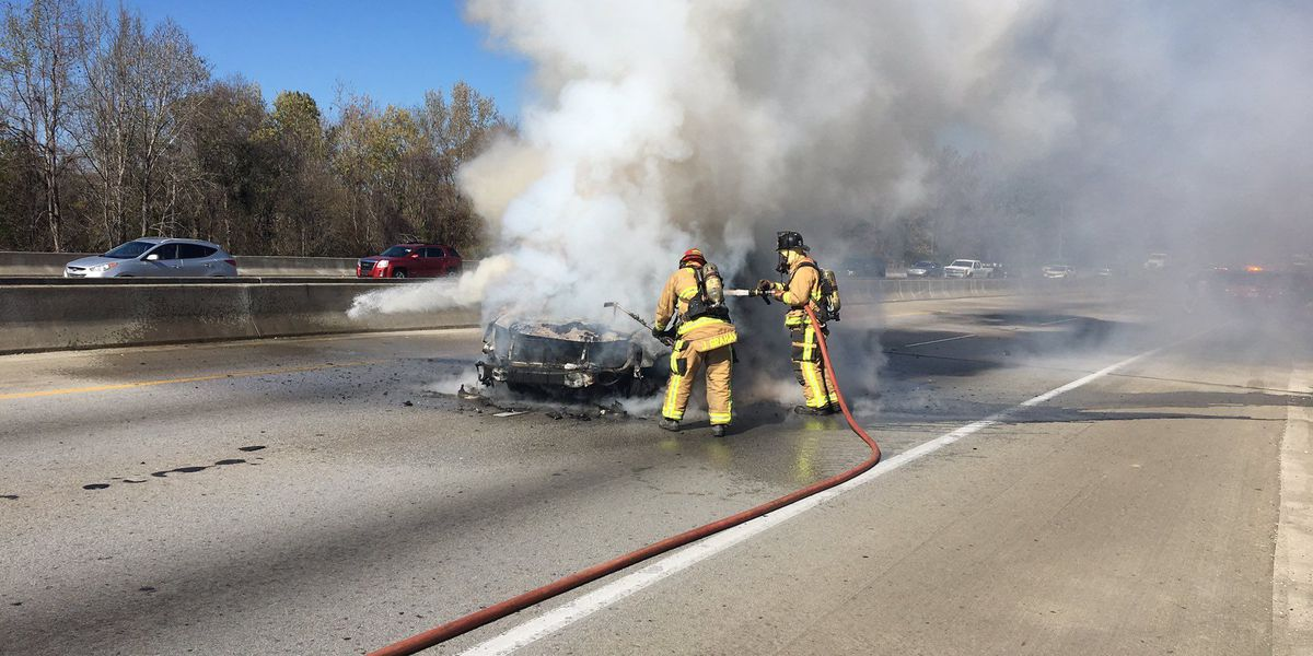 Crews clear car fire on I-526 Eastbound between Rivers, N. Rhett