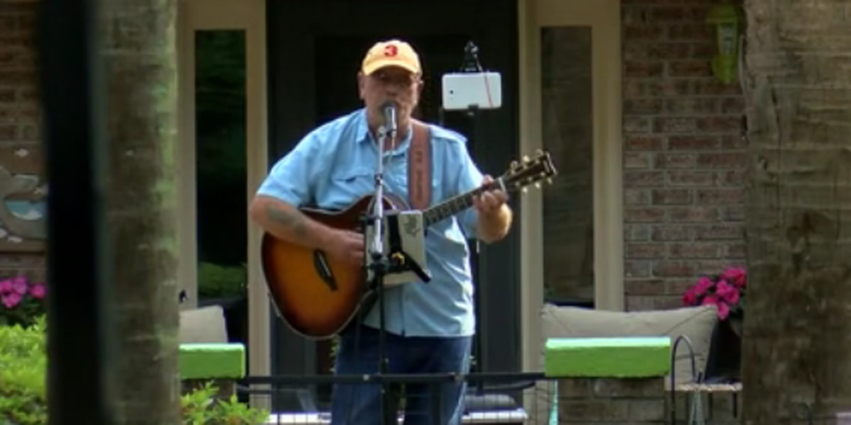 'We're all stuck in our homes': Surfside Beach entertainer holds front porch concert for neighbors