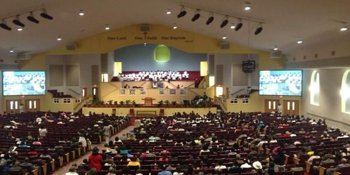 Rev. Jesse Jackson leads service at Mt. Moriah Baptist Church, calls for healing