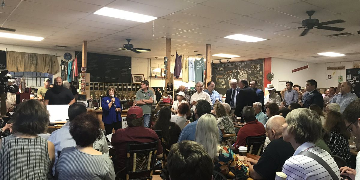 Summerville mayoral candidates participate in first forum