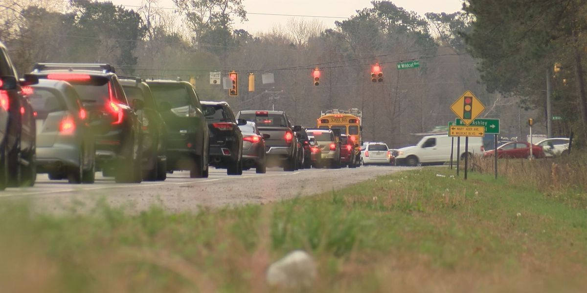 Live 5 Investigates: Traffic concerns in West Ashley with new building construction