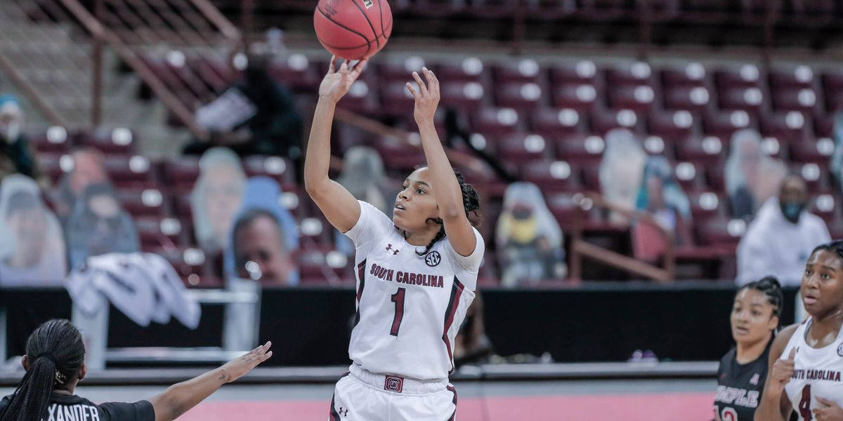 Cooke leads No. 5 South Carolina to 103-41 win over Temple