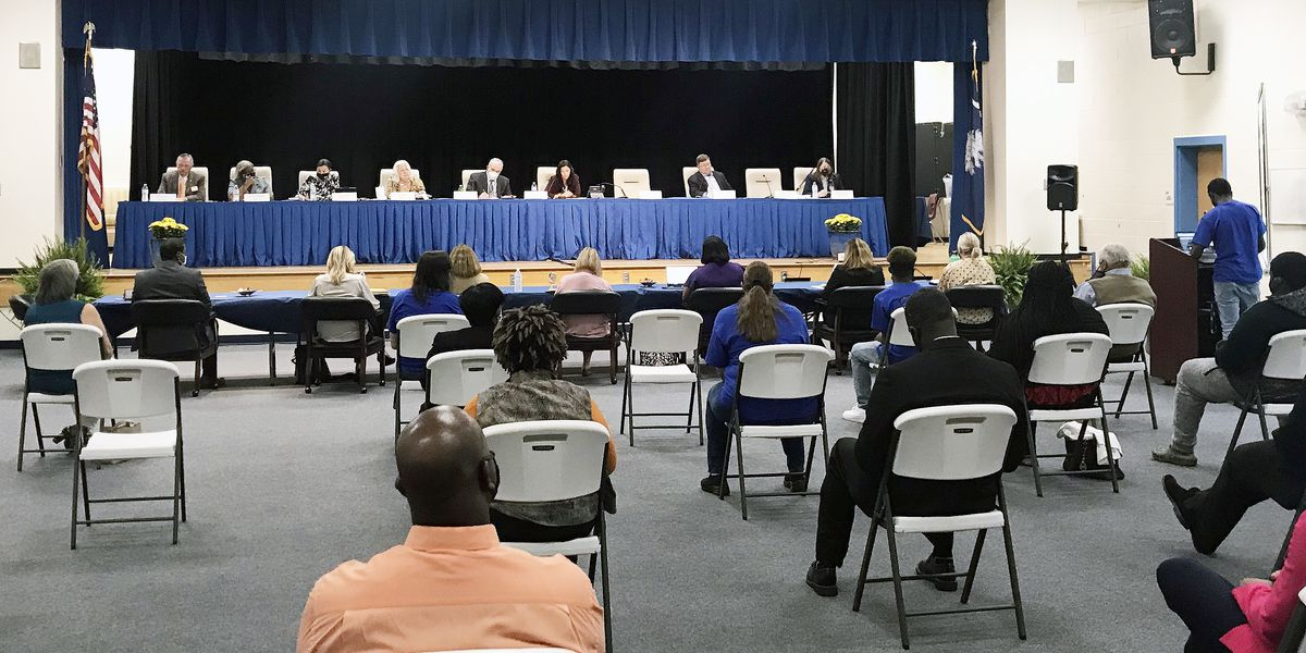 Berkeley County School District announces phased-in re-entry plan for students in 2021