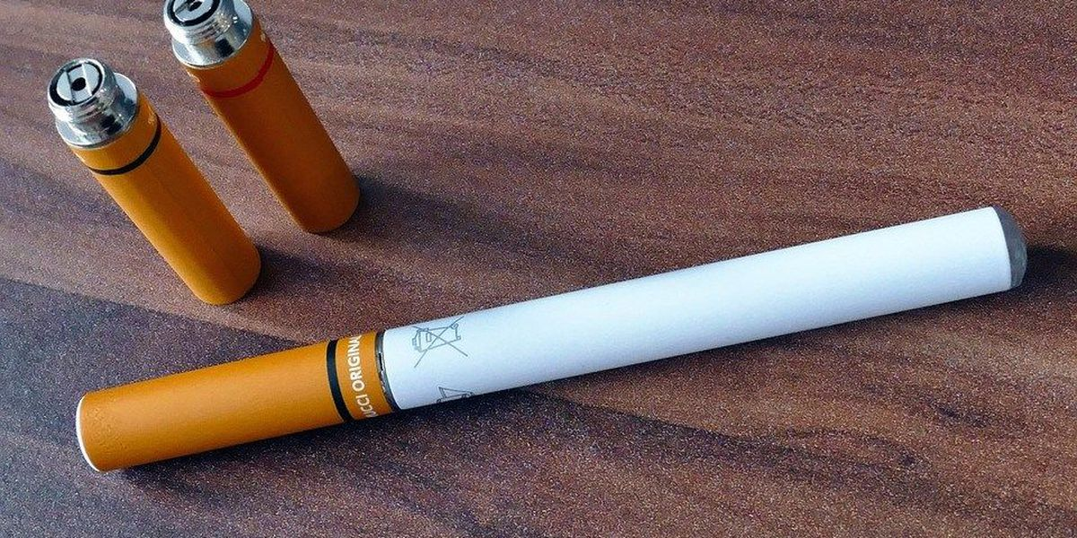 CDC: Ads luring teens to try e-cigarettes