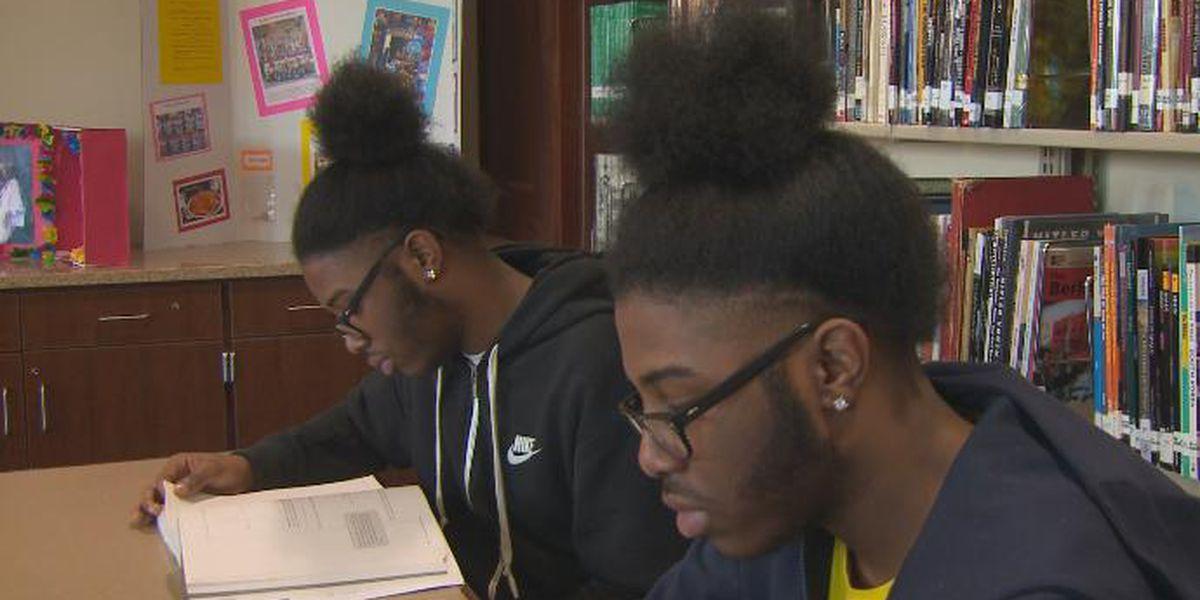 Identical twins named Valedictorian, Salutatorian at Ohio high school