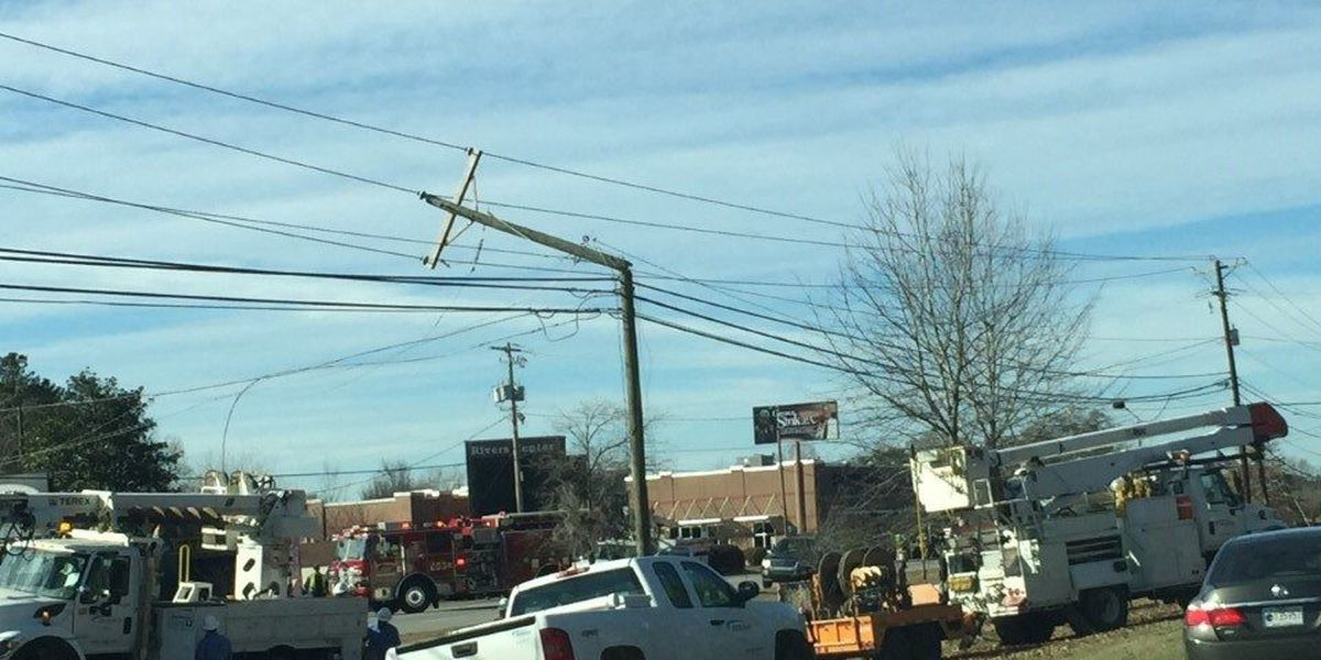 Traffic back to normal after power pole breaks on Rivers Avenue