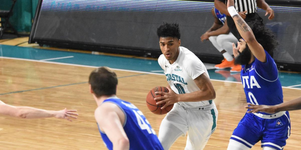 Men's Basketball Picks Up Big Conference Win over UTA