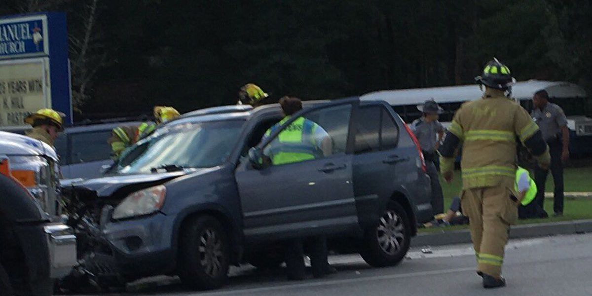 One dead, another injured following three-car accident in Summerville
