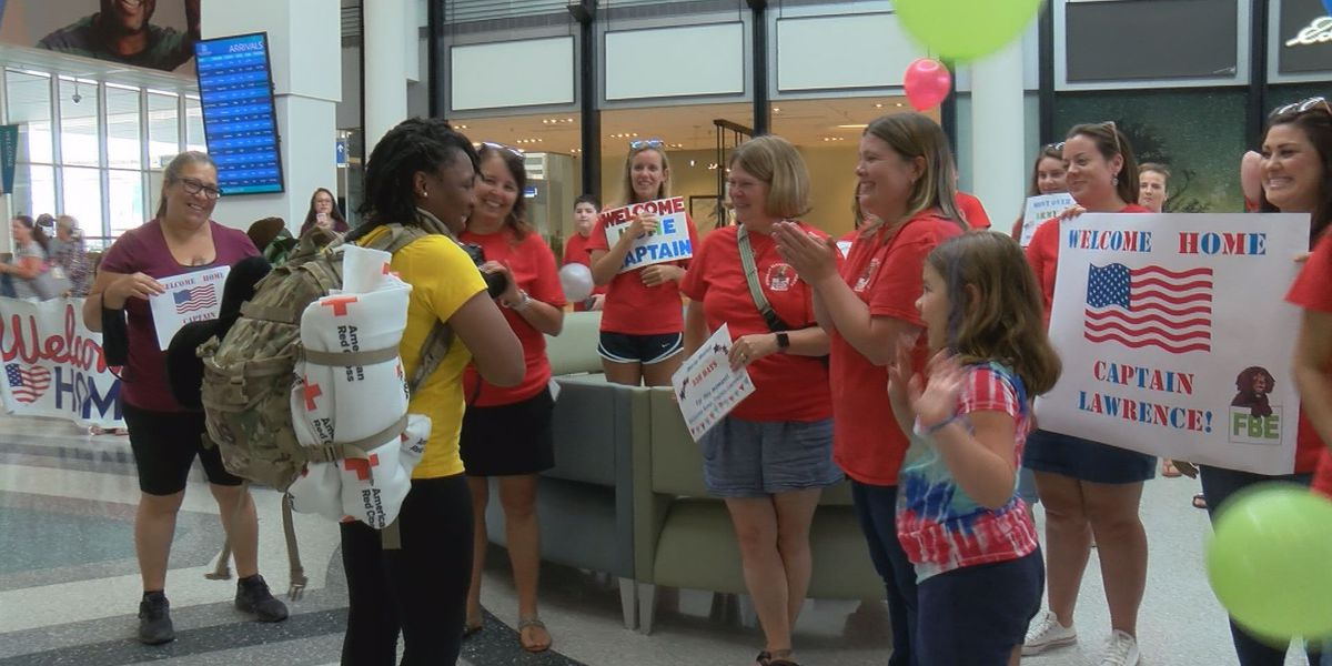 Berkeley Co. teacher surprised at airport after year-long deployment