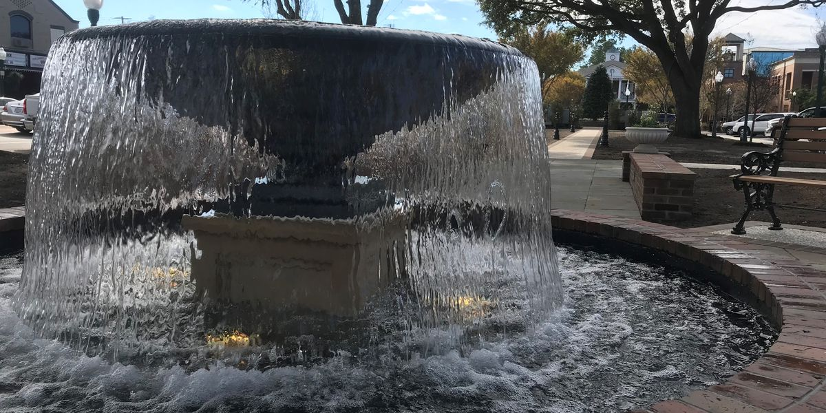 Downtown Summerville square reopens in time for holiday season