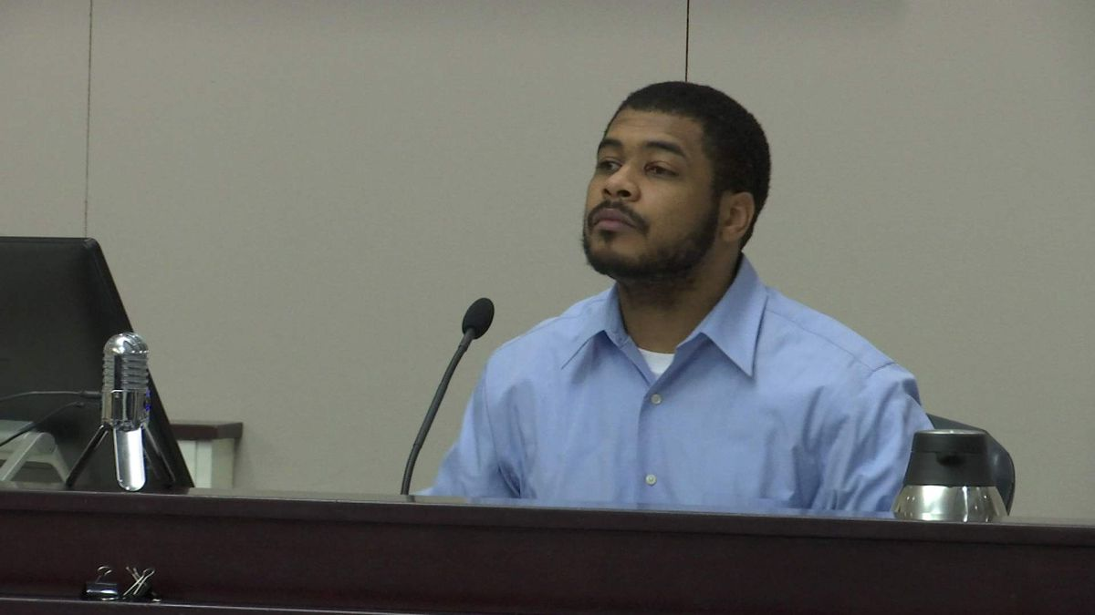 Jury deliberating in trial of man accused of shooting Charleston police officer