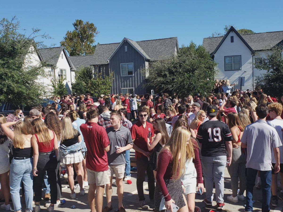 Authorities break up large party with 'thousands of students' in Columbia