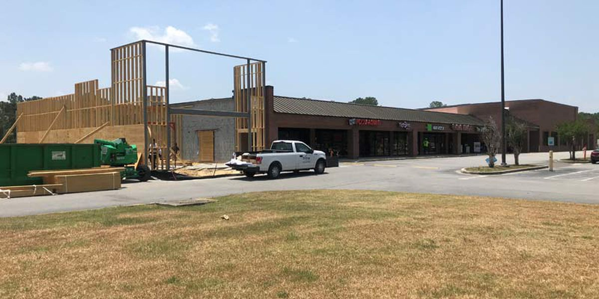 New businesses coming to Knightsville shopping center