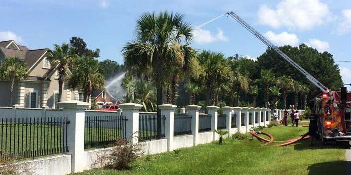 Emergency crews contain massive Berkeley County house fire