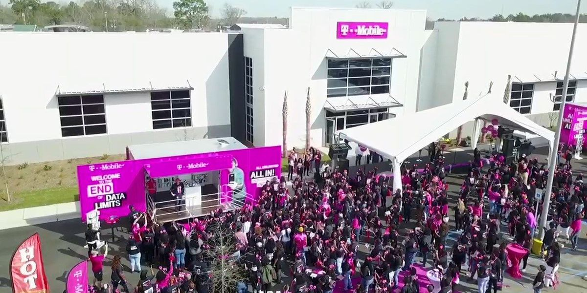 T-Mobile customer care center expected to bring 400 new jobs to N. Charleston