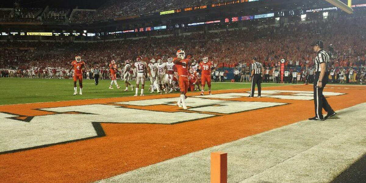 Clemson rolls past Oklahoma in Orange Bowl, 37-17