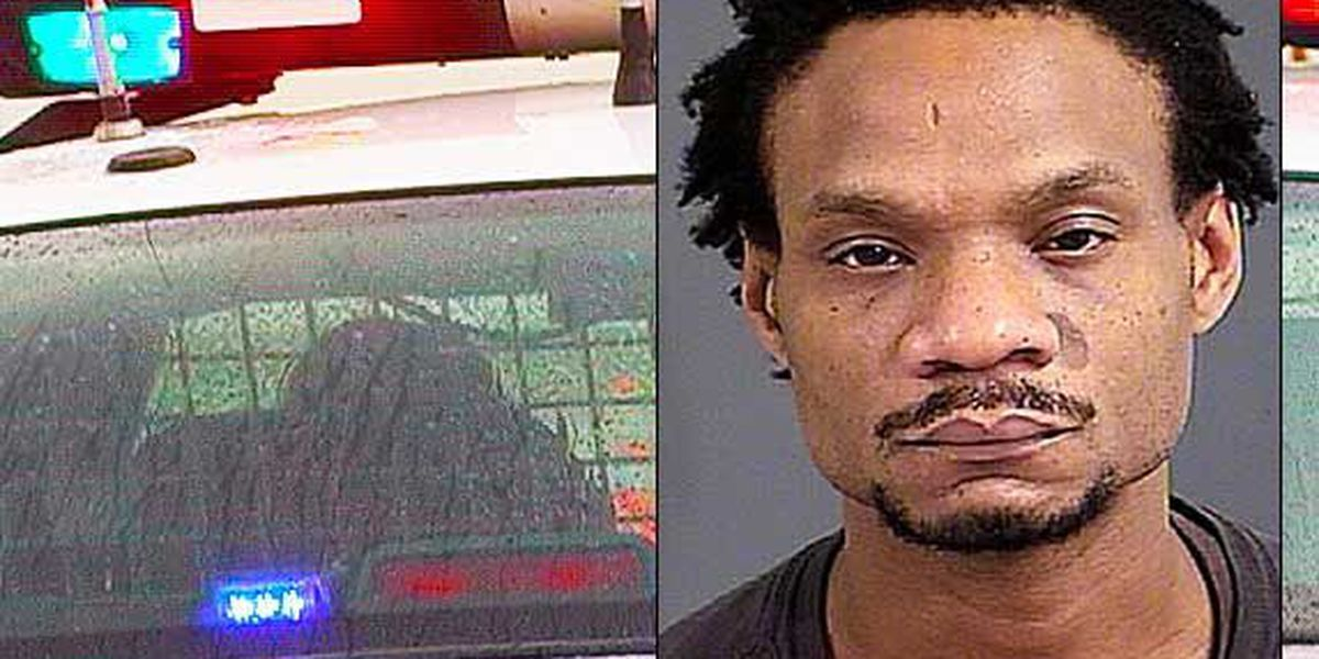 Report: N. Charleston man drives off with car after pulling driver out