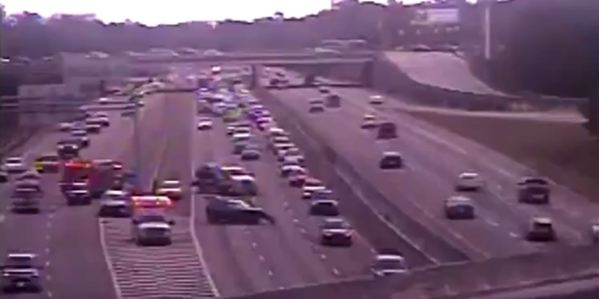 SCDOT: Crash closes lanes on I-26