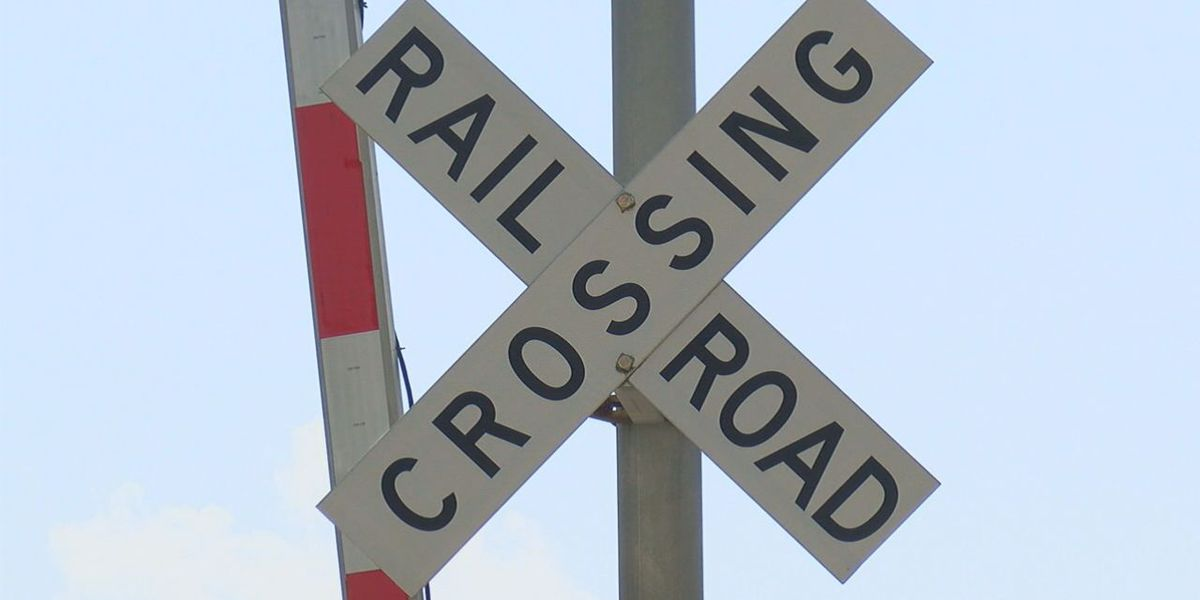 Police: Railroad arms on Ashley Phosphate Road working again