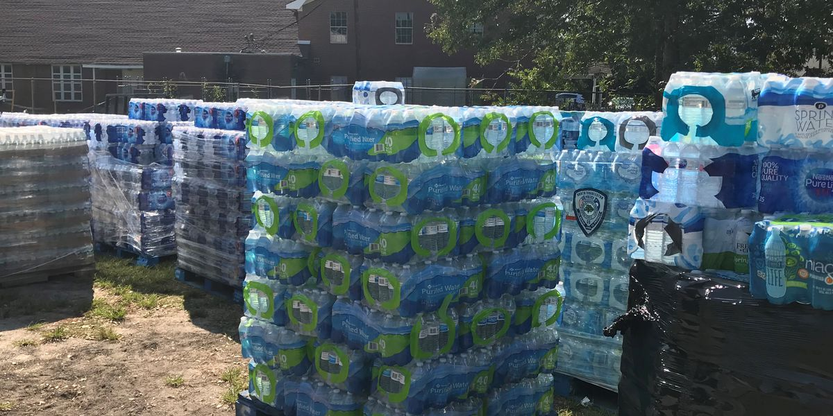 N. Charleston police collects more than 4,000 cases of water for hurricane victims