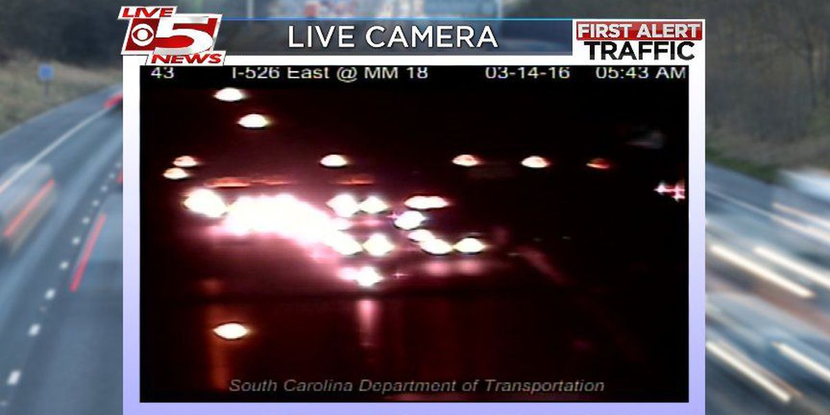 Accidents slow traffic in both directions on I-526