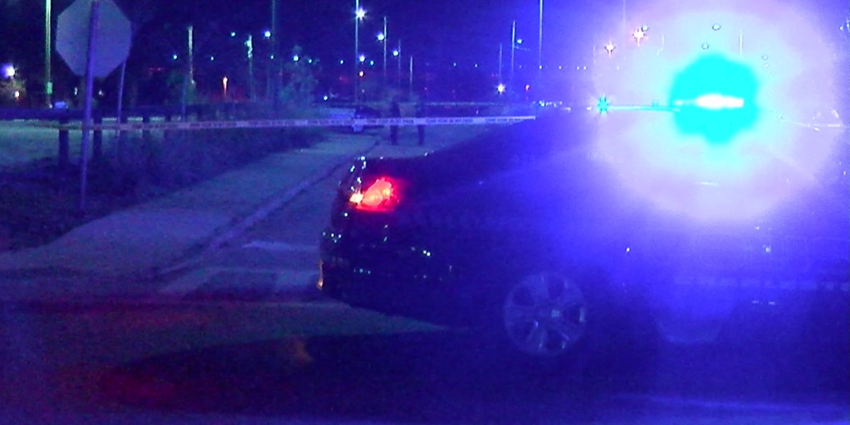 Police: Man shot downtown transported to MUSC
