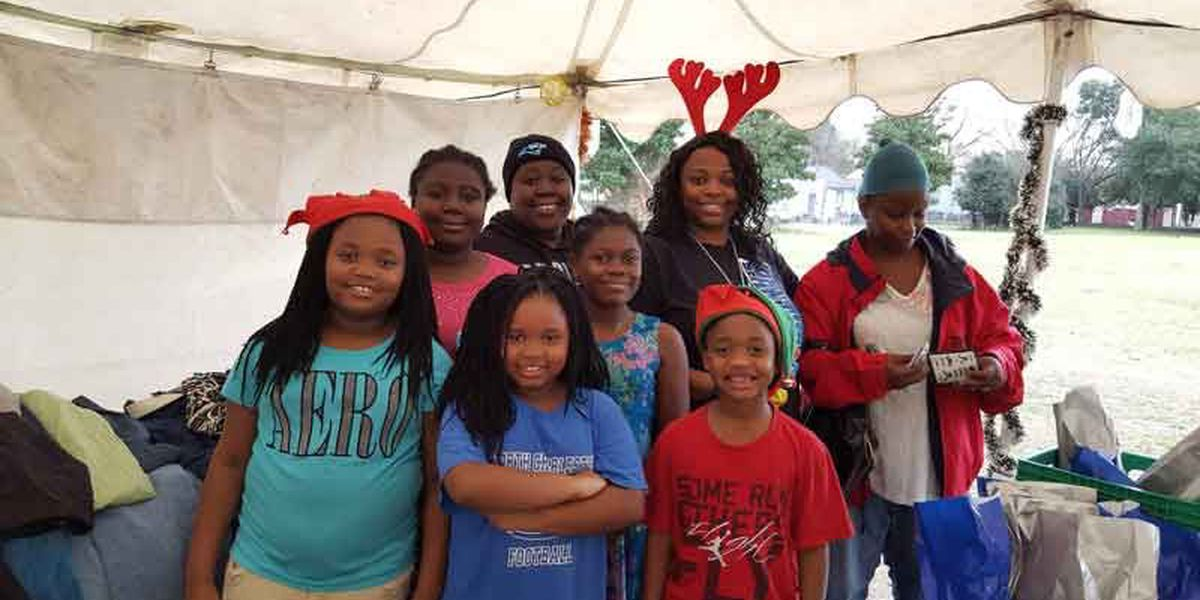 Carolina Panthers fans spread some holiday cheer at Ronald McDonald House